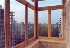 Остекление балкона — возможность утеплить и увеличить пространство квартиры