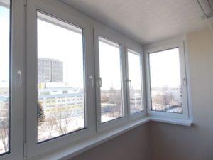 Преимущества остекления балконов и лоджий пластиковыми стеклопрофилями