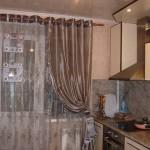 Шторы для кухни с балконной дверью: идеи выбора