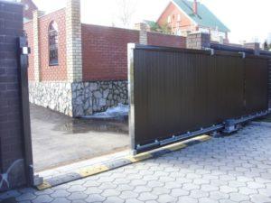 Виды и конструкционные особенности откатных ворот