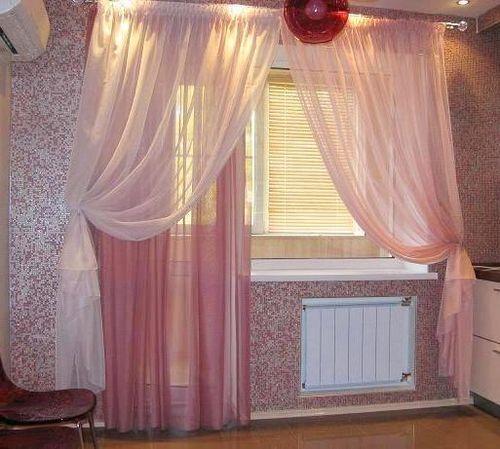 Выбираем шторы на окно балконной двери