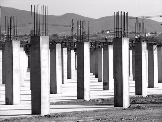 Промышленное строительство с использование железобетонных колонн